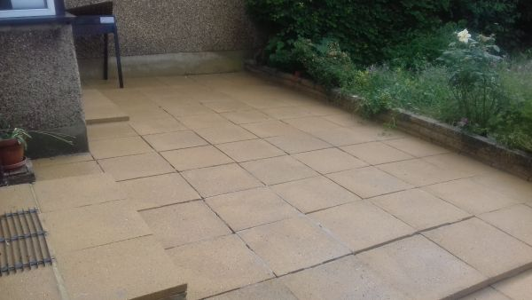 Pressure Washing in hackbridge