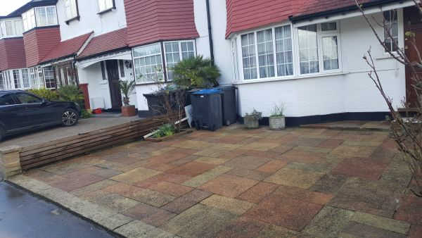 Pressure Washing in Thornton heath